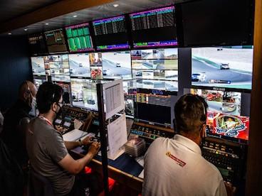 Ferrari Challenge: entire system...
